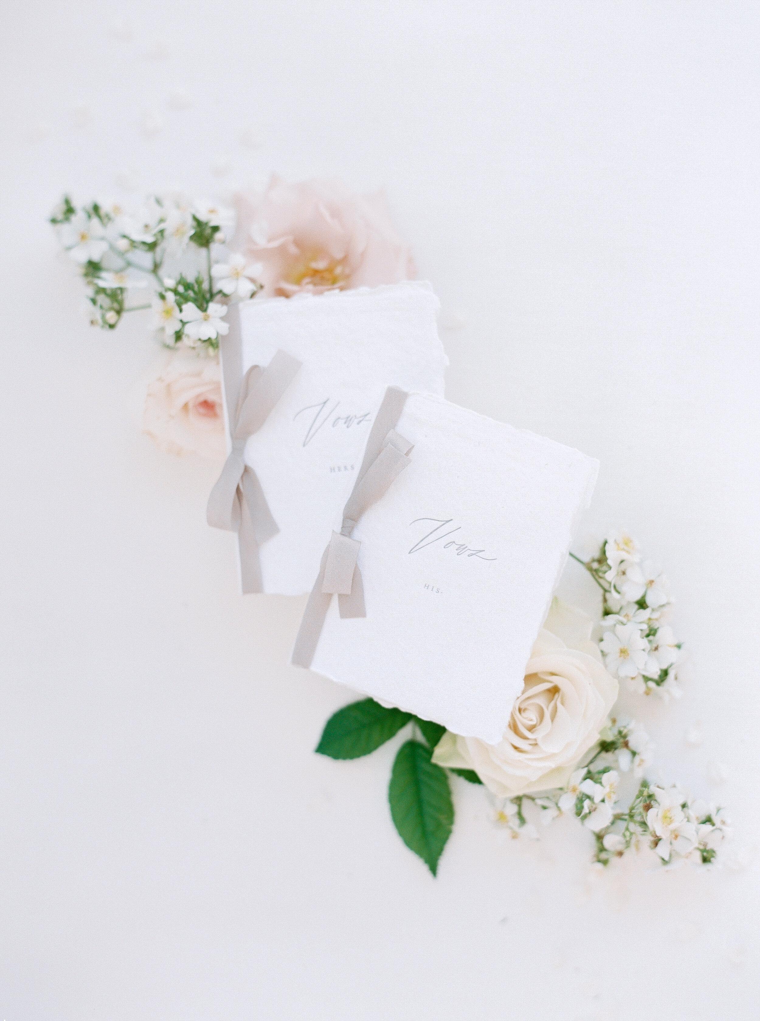 gracewood-kurtz-best-toronto-wedding-photographer-soft-airy-jordan-andrew-previews-13.jpg