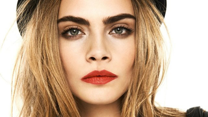 Cara Delevingne has the first two points DOWN!