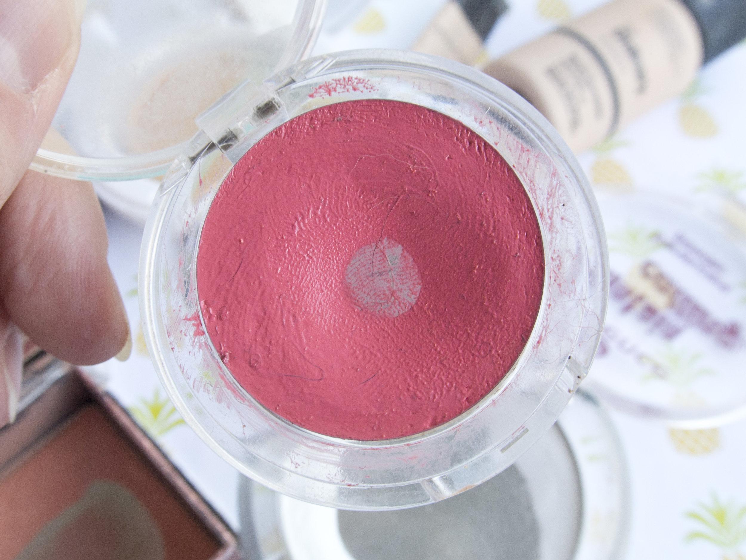 Essence Beauty on Tour Cream Blush