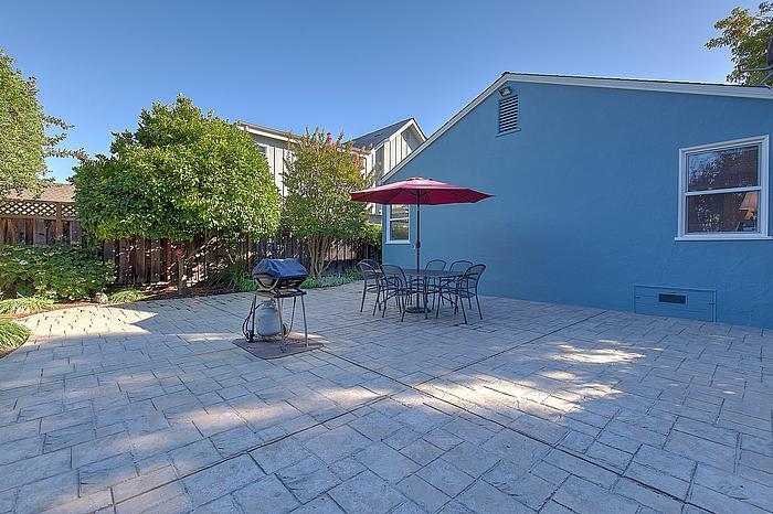 backyard2_700.jpg