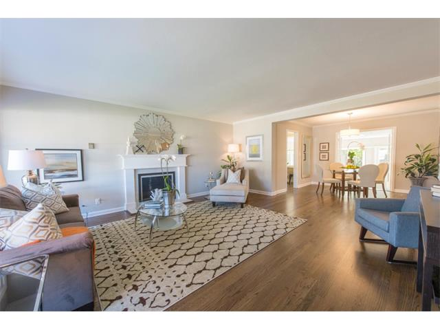 836 9th Ave. // $900,000