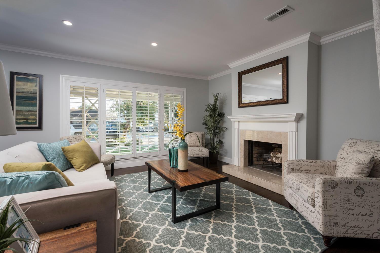 460 King St Redwood City CA-large-008-8-Living Room-1500x1000-72dpi.jpg