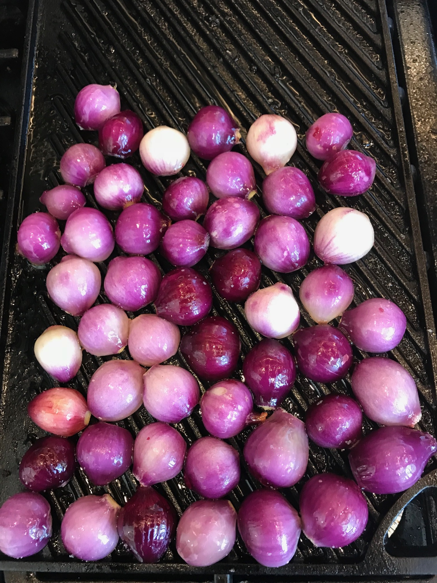 Fresh red onions from the Farmfare garden.
