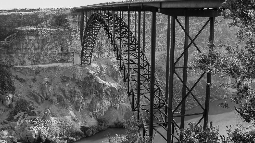 Twin Falls, ID Bridge (b&w).jpg