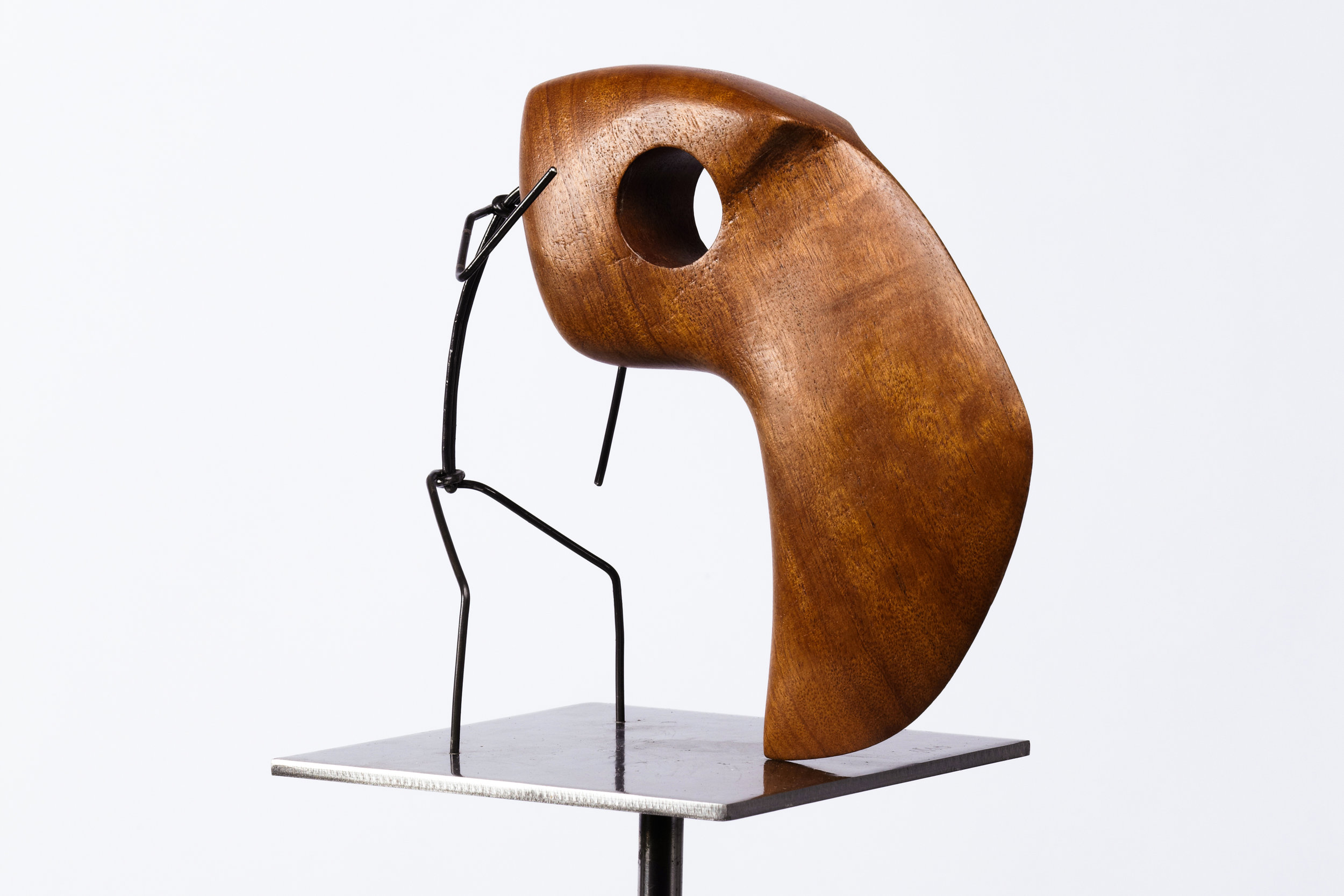 Escultura con personaje Otoko titulada –Pajarraco Otoko-, creada por Antoni Yranzo en el año 2011 en su estudio-taller de Barcelona