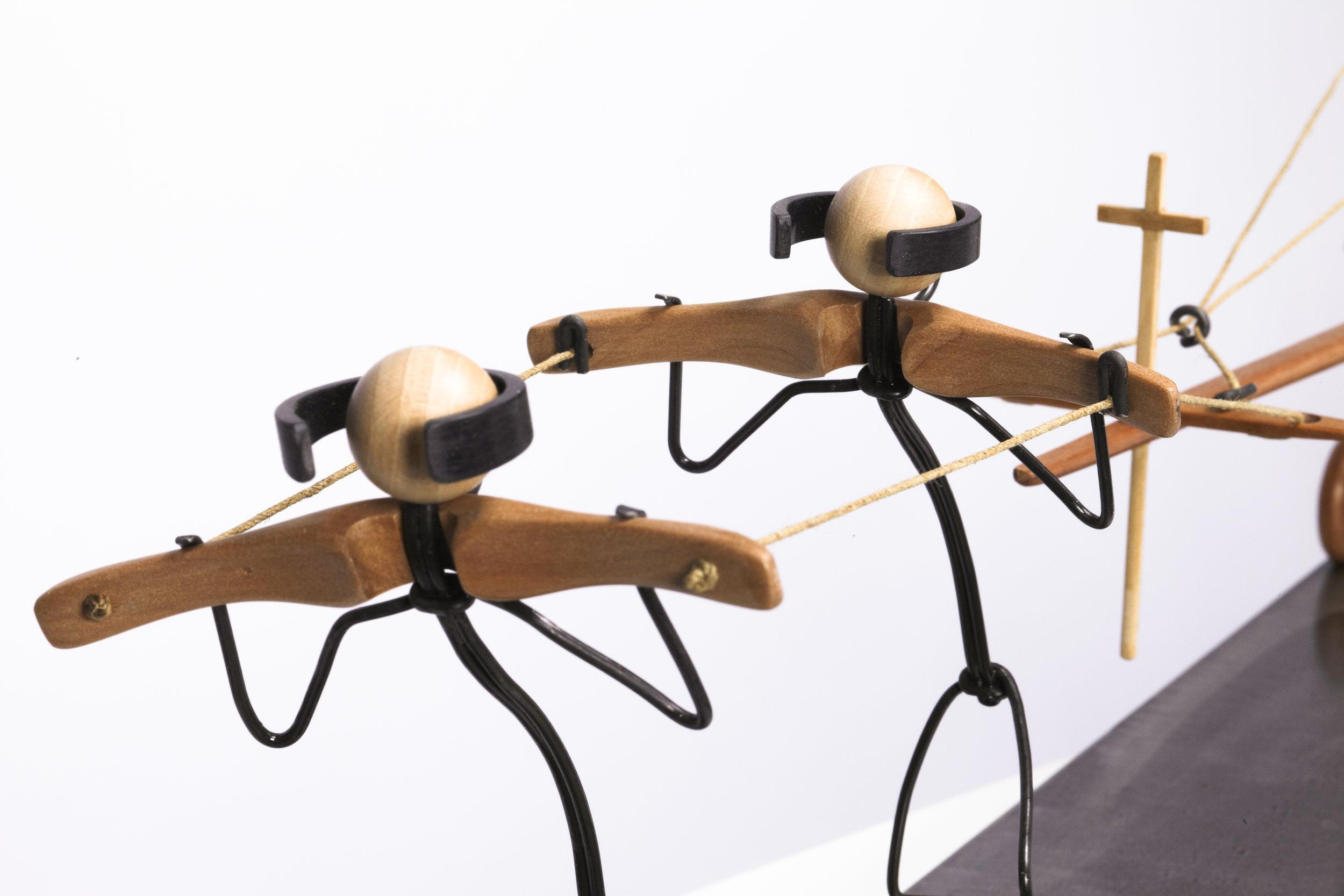 Escultura con personajes Otoko titulada –Problema-, creada por Antoni Yranzo en el año 2010 en su estudio-taller de Barcelona