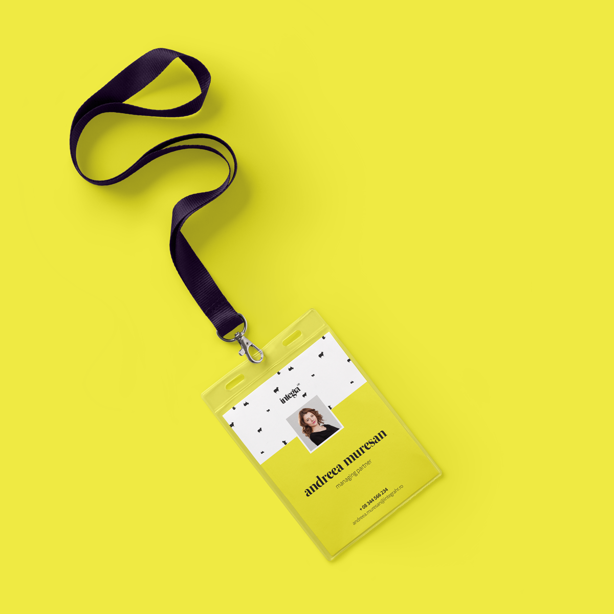 ID-Card-Holder-Mockup-vol-2.png