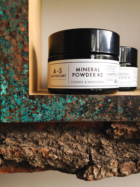 Mineral powder for the mildest exfoliation.