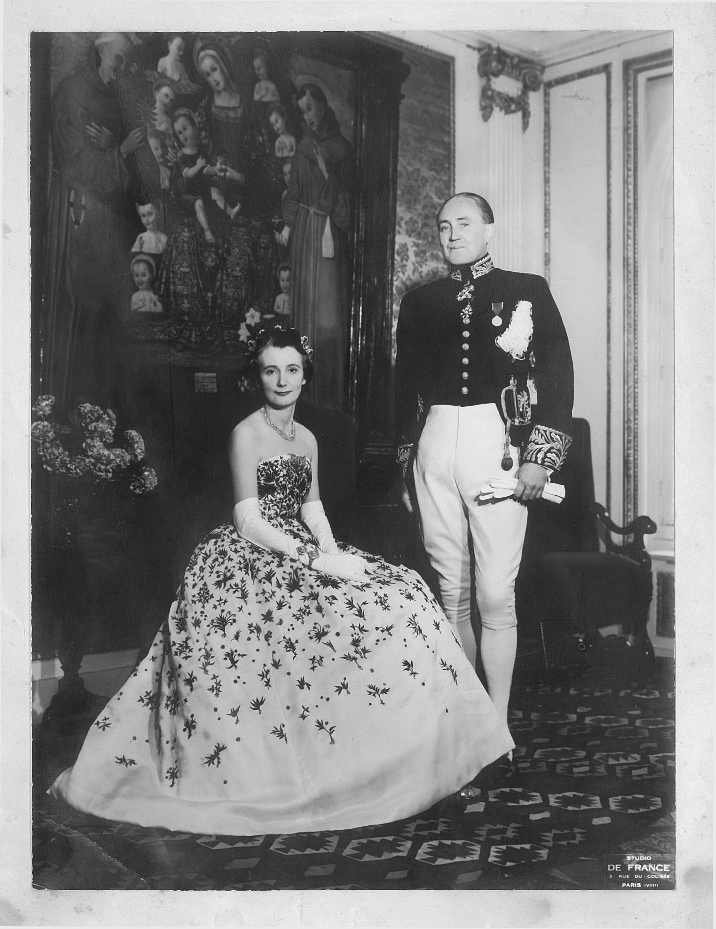 Elisabeth & Gerry dressed up in Paris.jpg