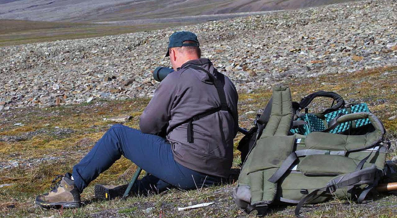 Roy Andersen har lang fartstid i Norsk institutt for naturforskning (NINA). Han har inngående kjennskap til villreinbestandene både på fastlandet og på Svalbard. Foto: Anders Mossing, Norsk Villreinsenter