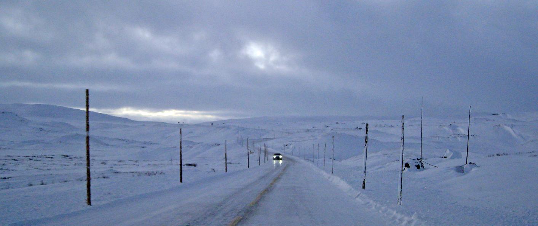 De største utfordringene for Rv.7 er vinterdriften og regulariteten i trafikkavviklingen over Hardangervidda, samt konflikten mellom biltrafikk og villrein. Foto: A. Nyaas