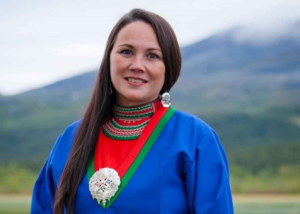 Ellinor Marita Jåma, leiar i NRL, stiller spørsmål om kvifor villrein har så mykje sterkare vern enn tamrein.