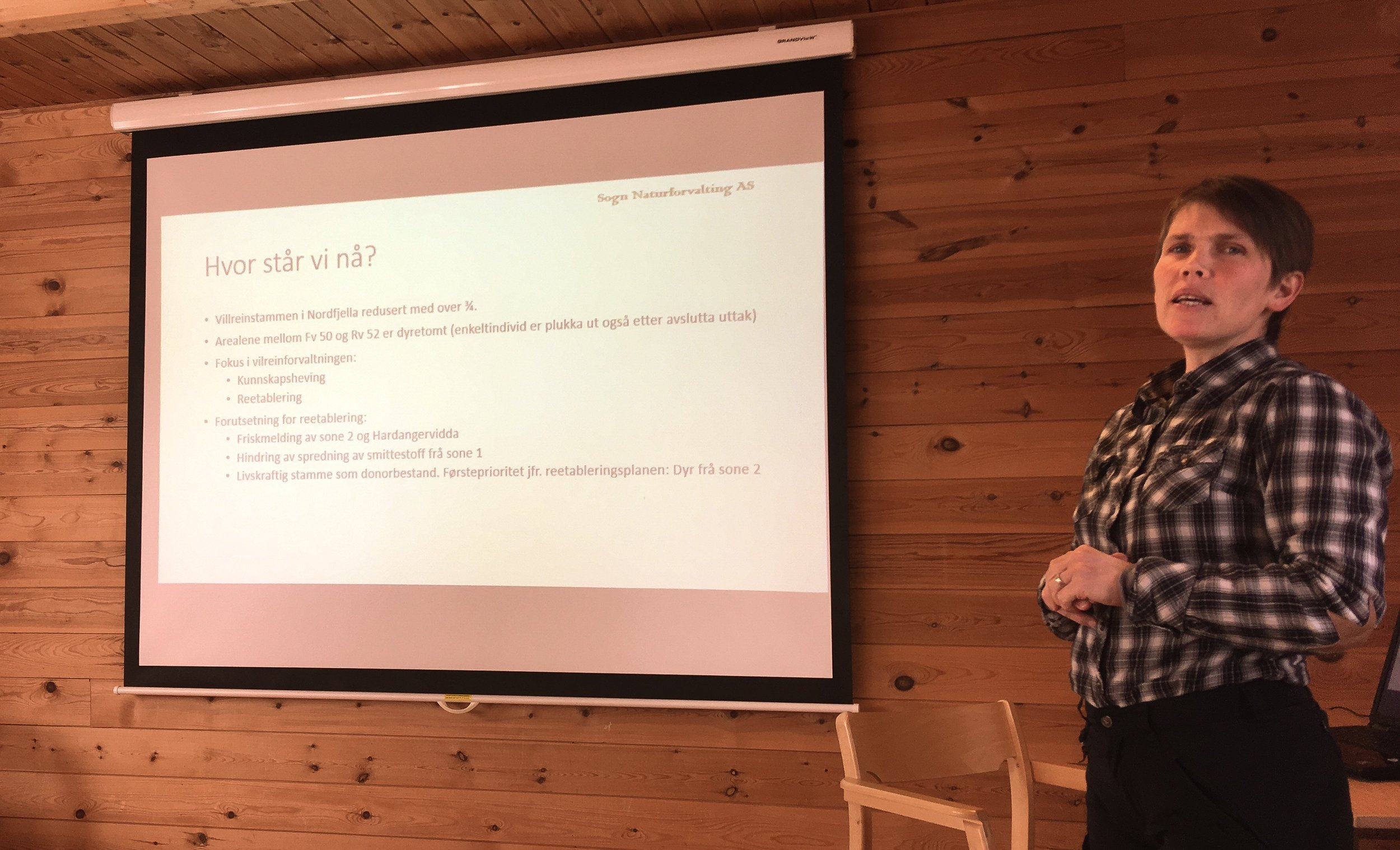 Siri Wølneberg Bøthun, sekretær for Nordfjella og Fjellheimen villreinnemnd snakka om framtidsutsiktene for Nordfjella.