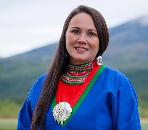 """Leiar i Norske Reindriftsamers Landsforbund, Ellinor Marita Jåma, er sterkt kritisk til manglande """"tamrein""""-hensyn i vindkraftsaker. Foto: Kjell Bitustøyl"""