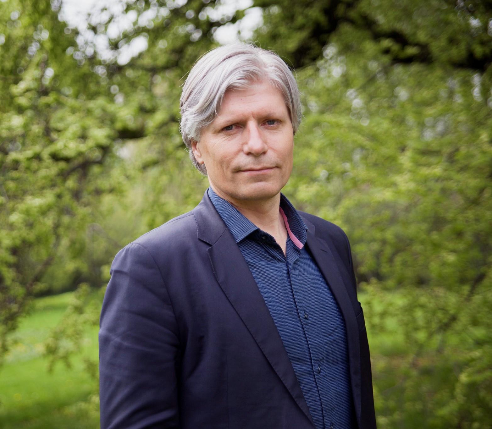 Klima- og miljøminister Ola Elvestuen har vært i hardt vær i høst. Foto: Mona Lindseth/Venstre