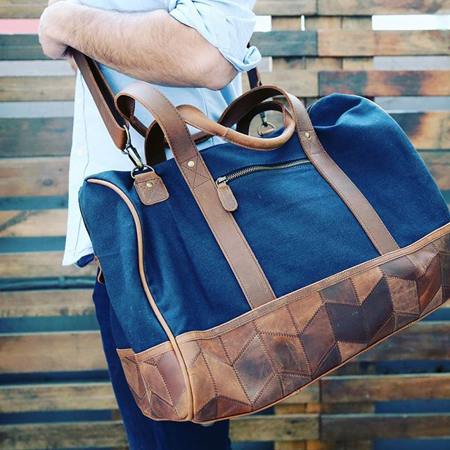 #navy #waxedcanvas #leather goodness in your new #holdall. Let it take you away for the #weekend @skinnyvin