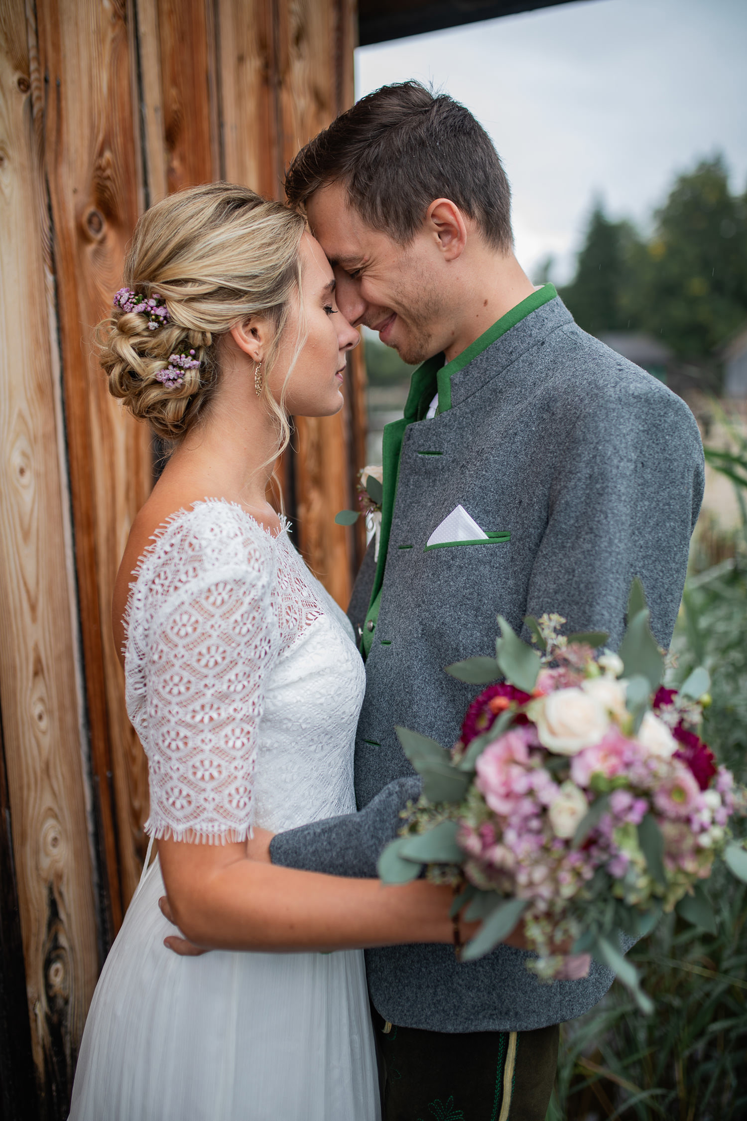 Paar Wolfgangsee Strobl Umarmung Hochzeit