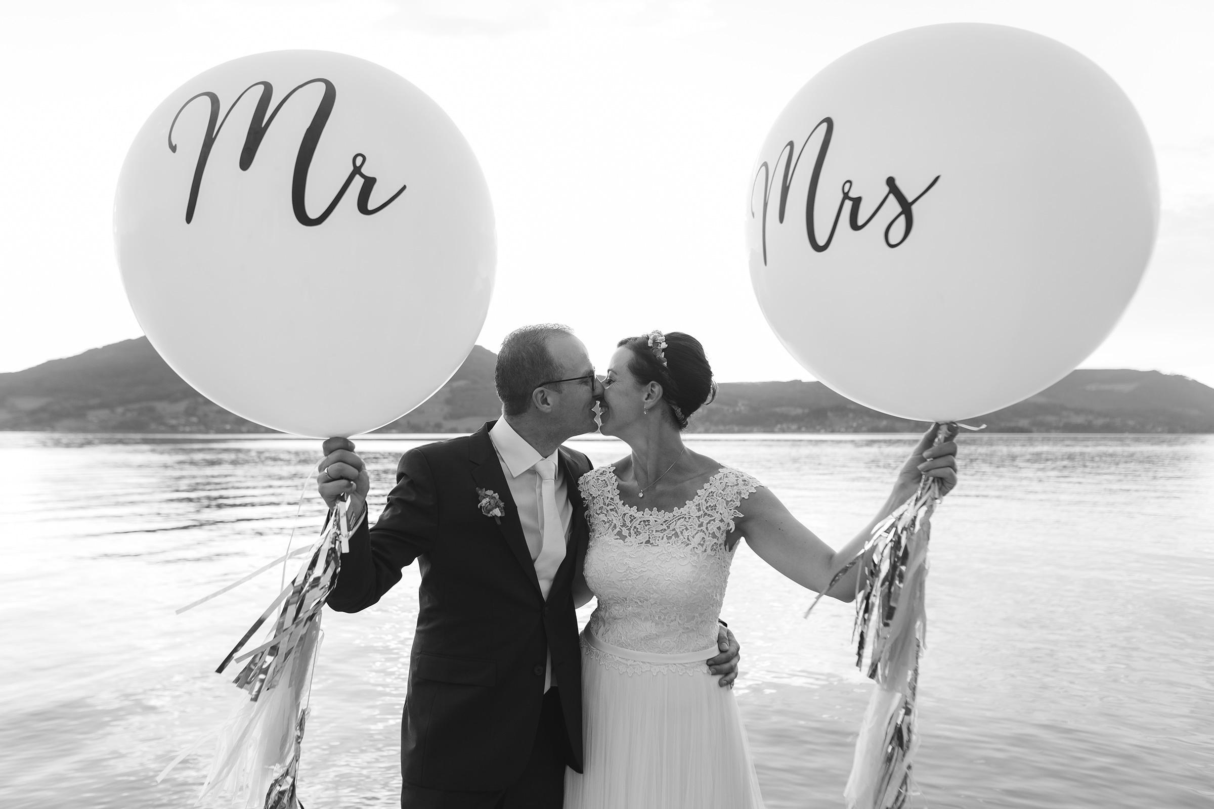 Brautpaar Attersee Luftballons Mr Mrs See