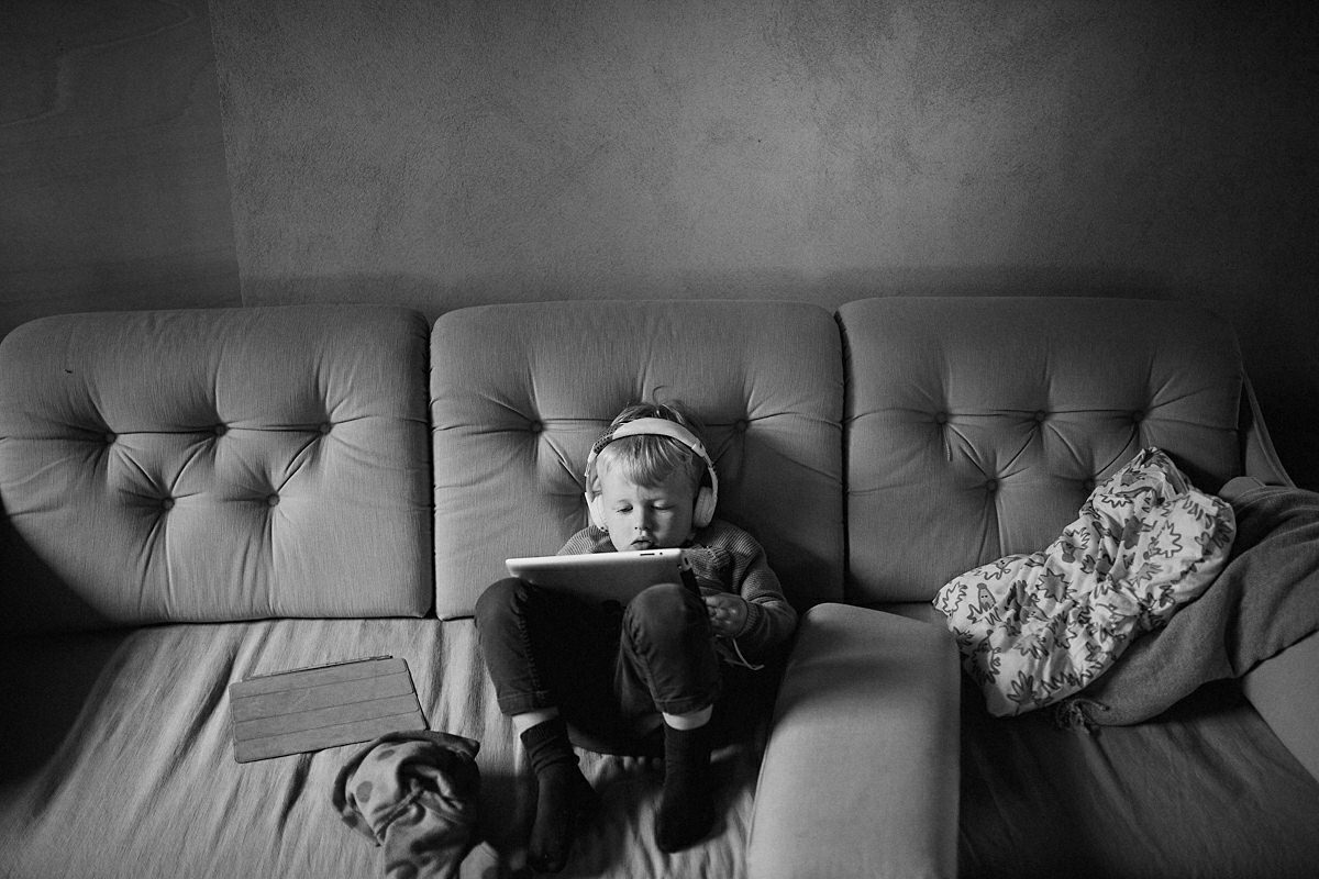 Kid and iPad wedding photography