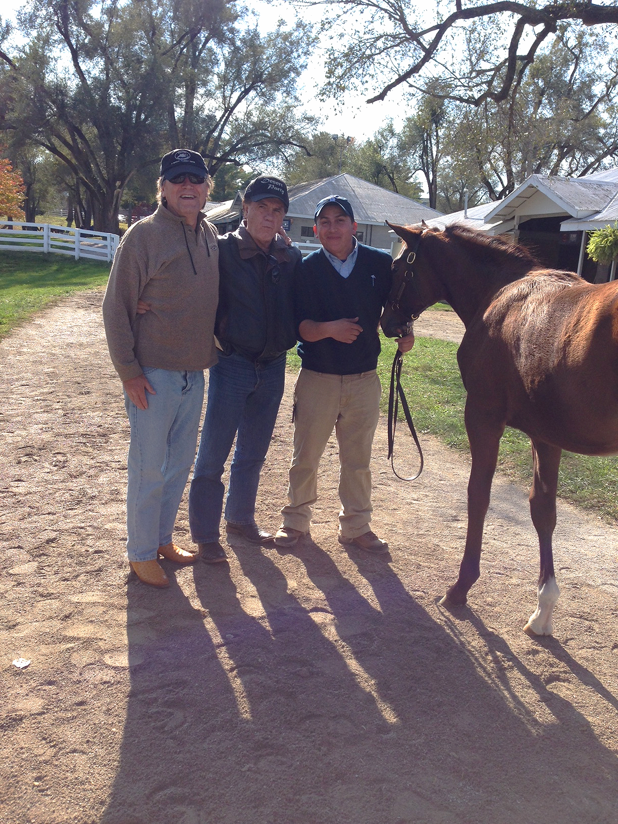 Dr Sinatra, David Smith, Sage Cat/Bodiemeister filly, and groom pre-sale.