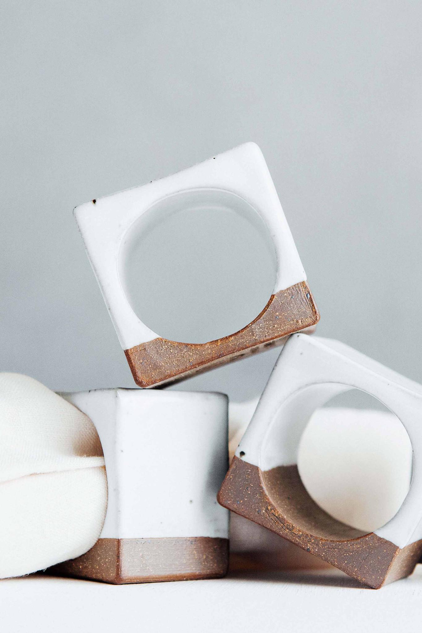 napkin-holders-white1.jpg