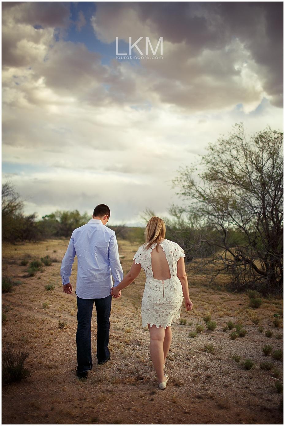 desert-engagement-session-scottsdale-wedding-photographer_0001.jpg