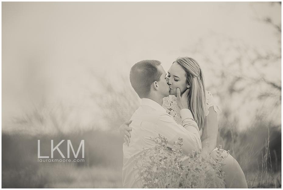 desert-engagement-session-scottsdale-wedding-photographer_0009.jpg