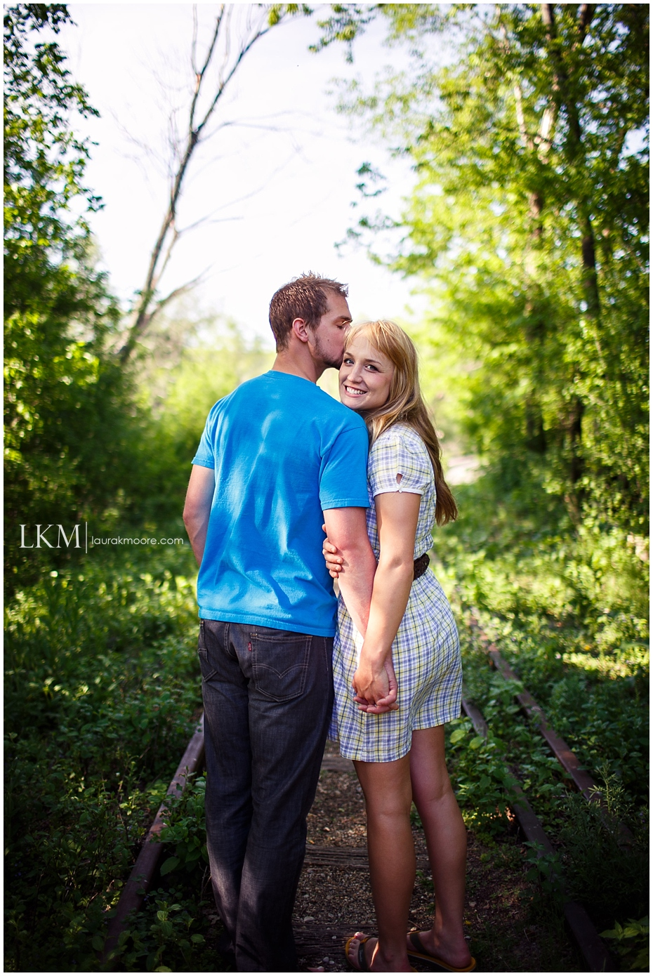 Milwaukee-Fun-Engagement-Session-Wisconsin-Wedding-Photographer_0003.jpg