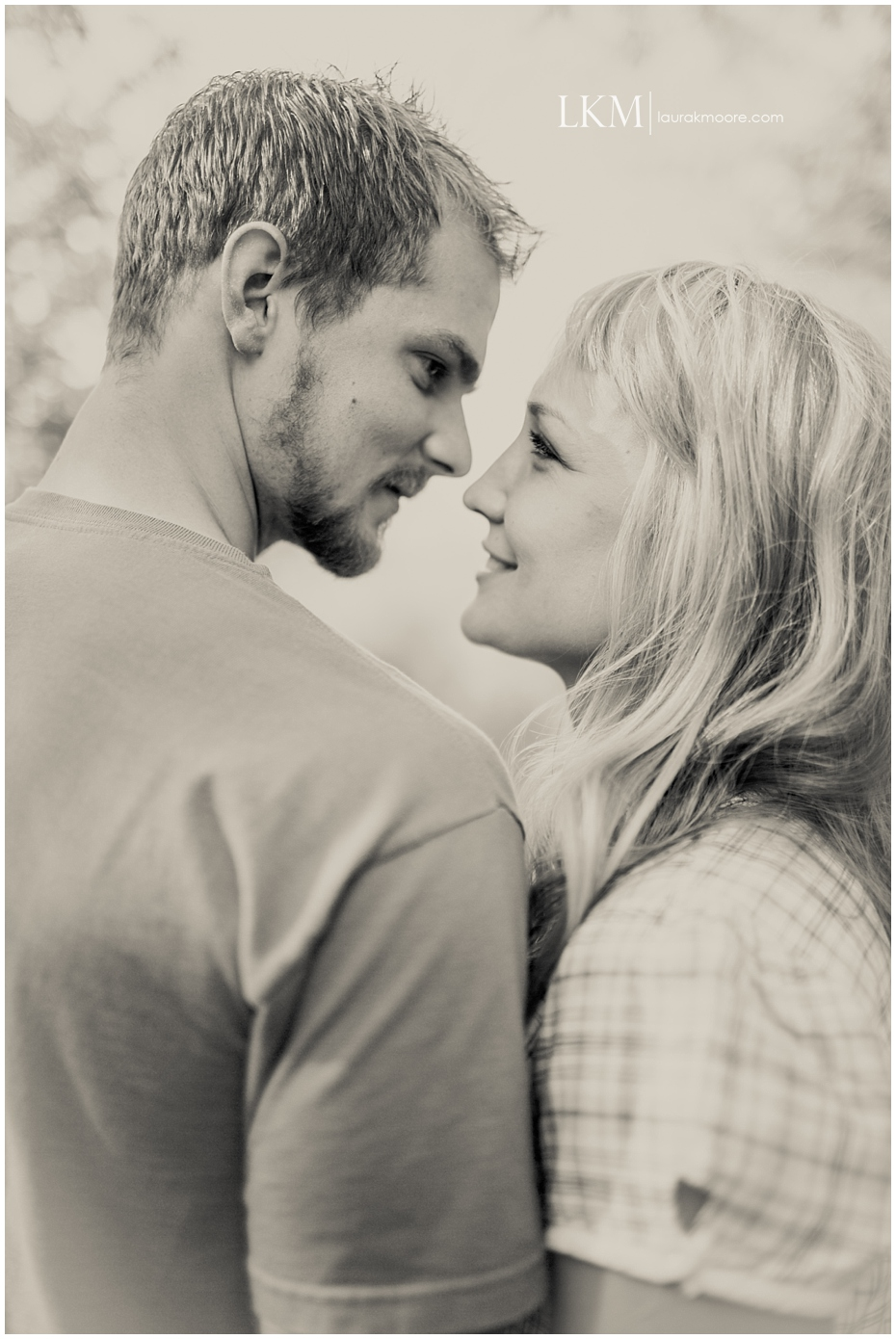 Milwaukee-Fun-Engagement-Session-Wisconsin-Wedding-Photographer_0005.jpg