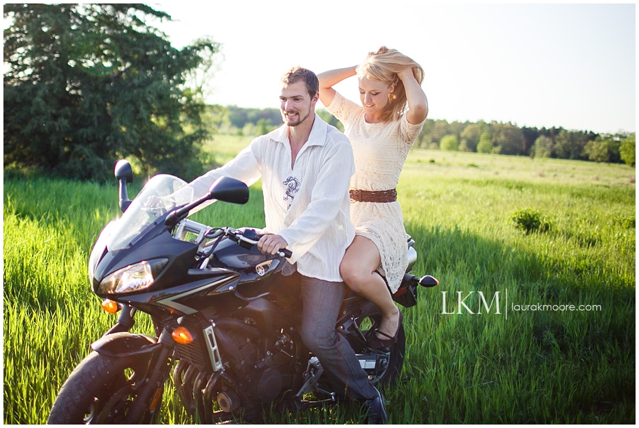 motorcycle-sexy-engagement-session