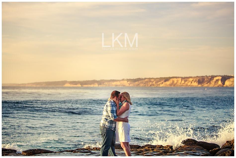 la-jolla-engagement-picture-san-diego-wedding-photographer-laura-k-moore.jpg