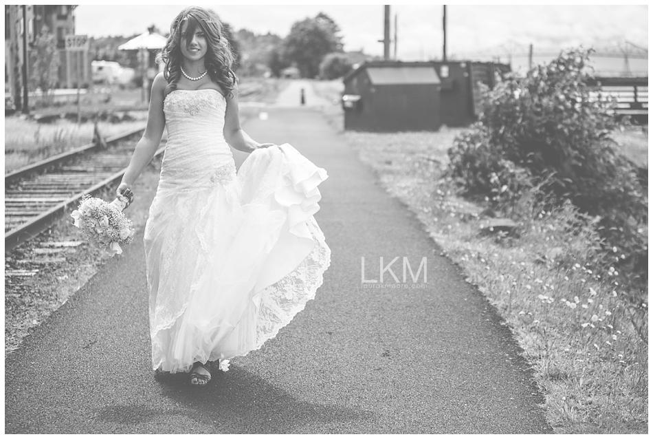 astoria-oregon-wedding-portland-laura-k-moore-destination-photographer-seth-joelle-weisser_0042.jpg