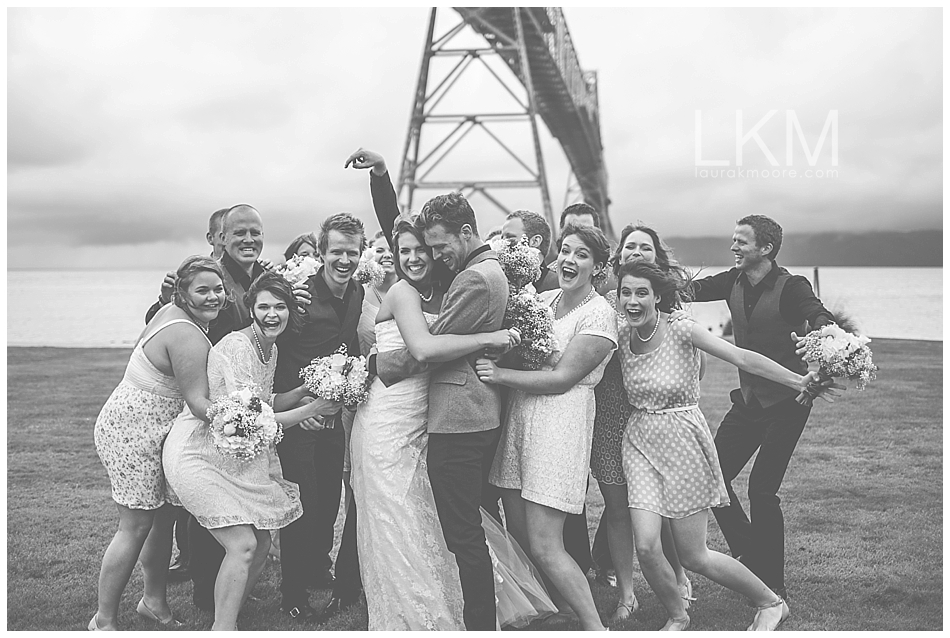 astoria-oregon-wedding-portland-laura-k-moore-destination-photographer-seth-joelle-weisser_0095.jpg