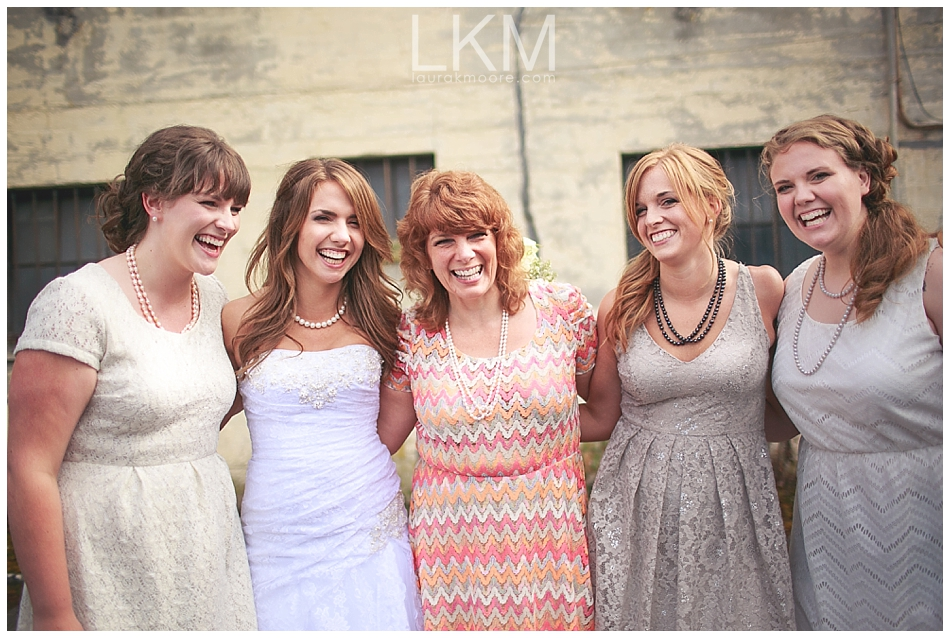 astoria-oregon-wedding-portland-laura-k-moore-destination-photographer-seth-joelle-weisser_0111.jpg