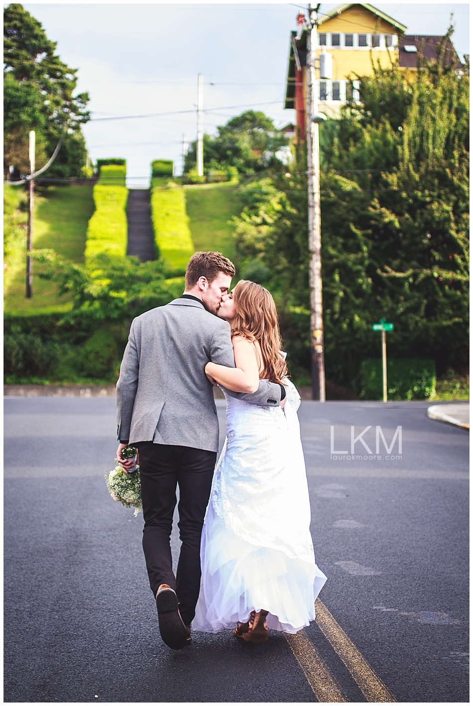 astoria-oregon-wedding-portland-laura-k-moore-destination-photographer-seth-joelle-weisser_0162.jpg