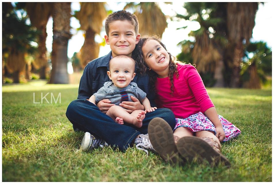 tucson-family-portraits-Matt-Kandice-Tiggas-Agua-Caliente_0004.jpg