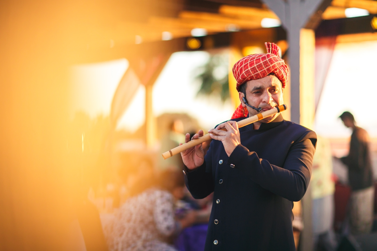 mehndi-ceremony-entertainment-indian-wedding-musician_