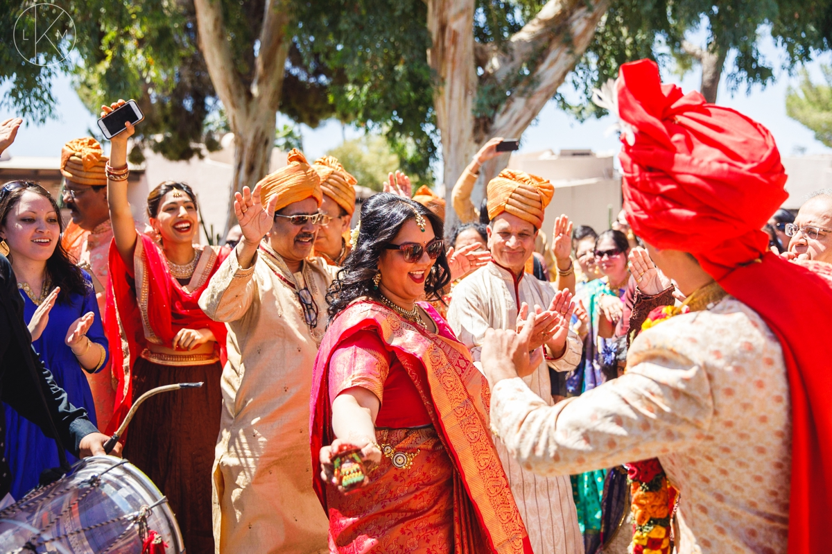 arizona-indian-wedding-photographer-wydham-resort-tucson-laura-k-moore_KATAKIA_000083.JPG