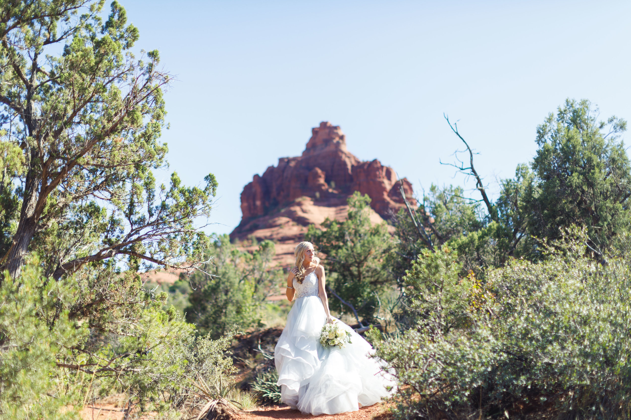 sedona-destination-wedding-red-rock-bride-photographer