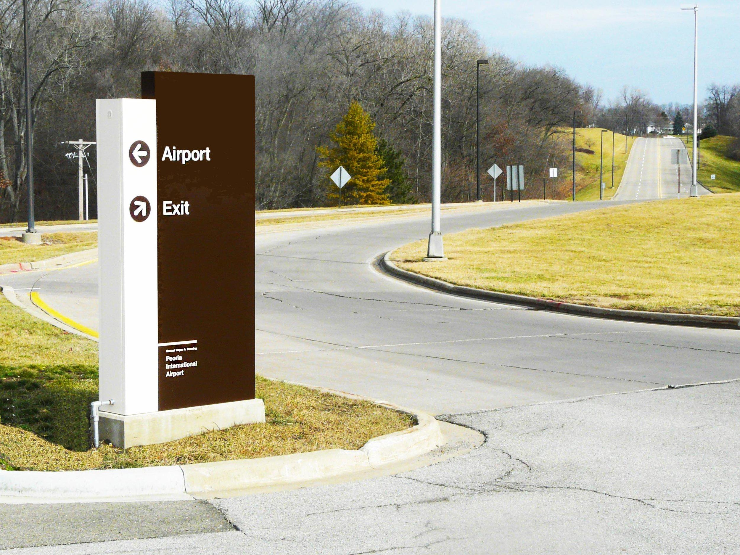 Airport Exterior Signage.jpg