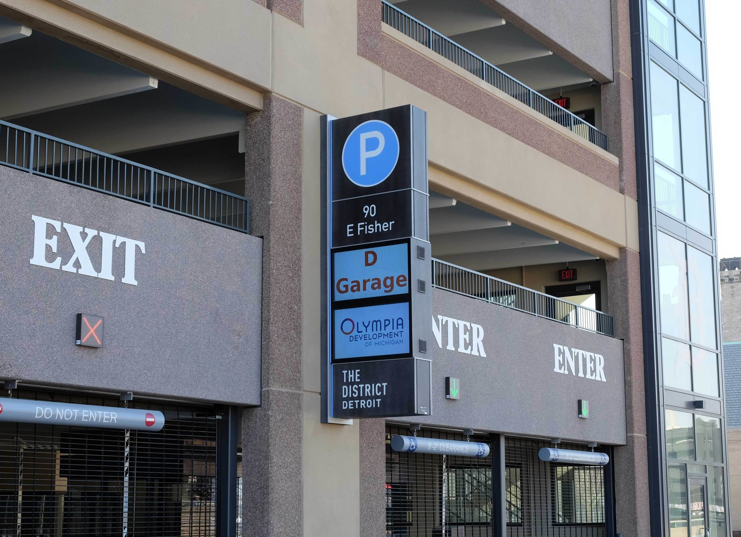 Digital Parking Signage Wayfinding.jpg