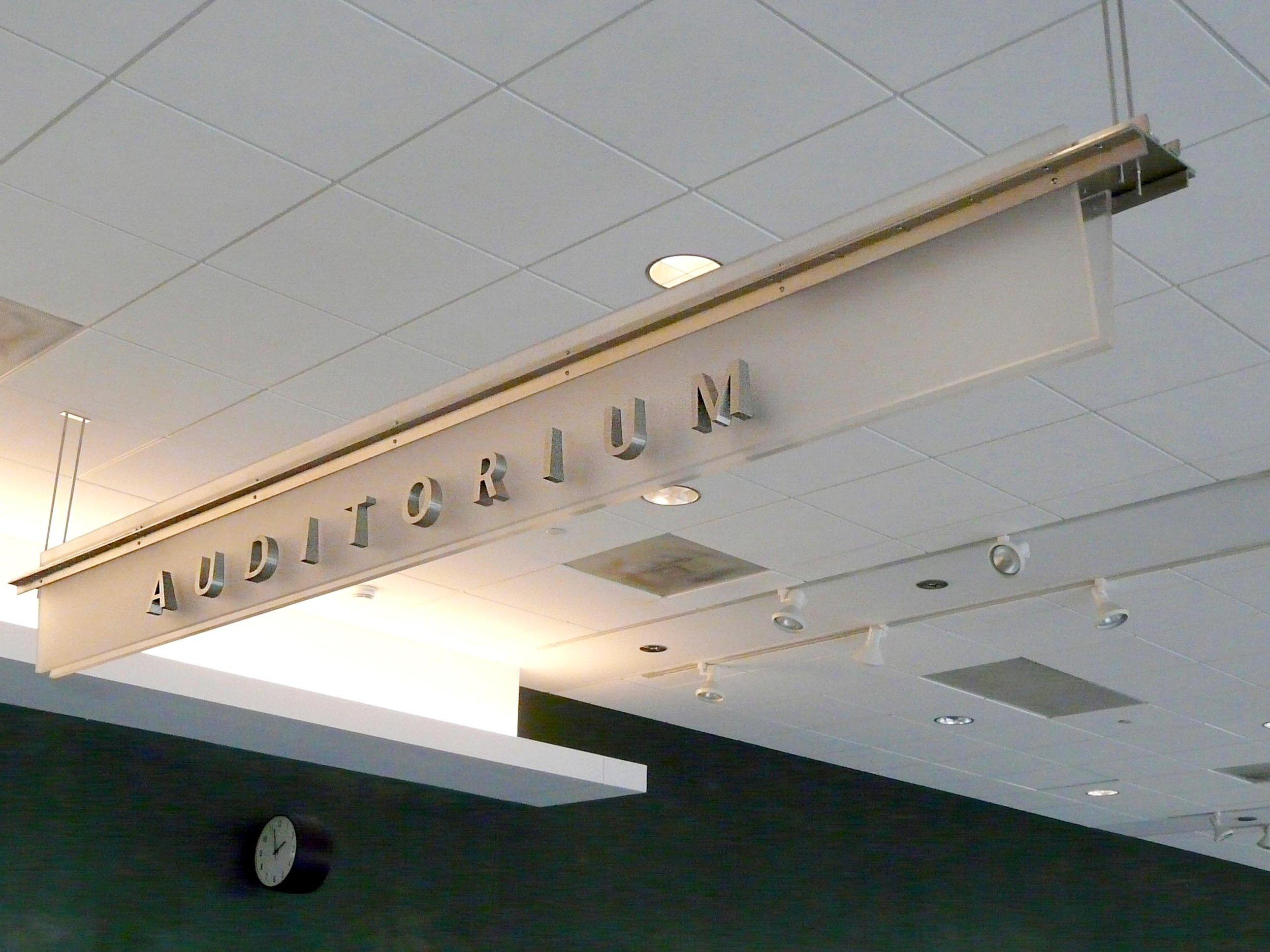 interior wayfidning signage university.jpg