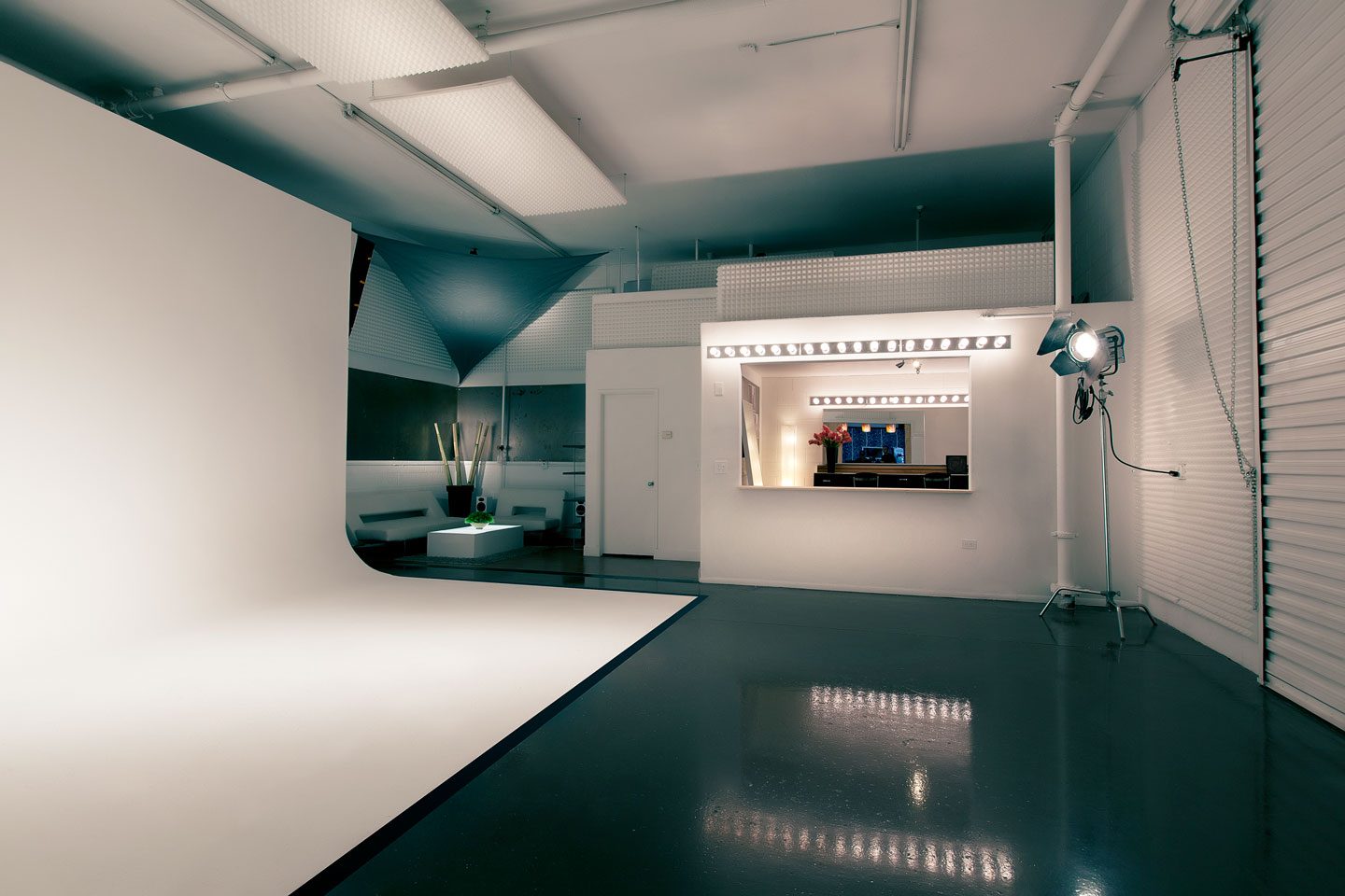 Phoenix commercial photography companies will appreciate The Family Vibe's Studio TFV for professional photography and video production needs.