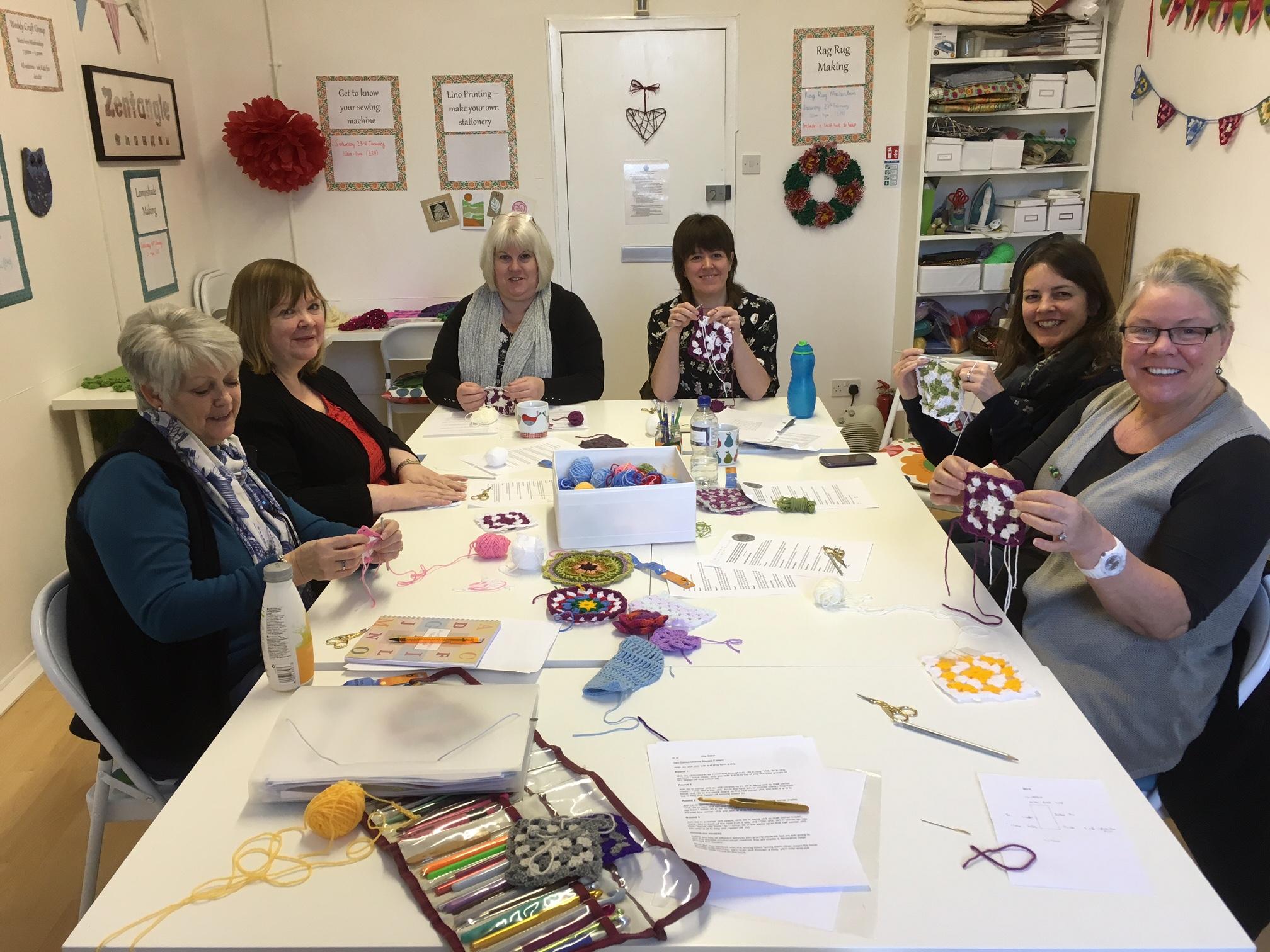 The granny square beginner crochet workshop in action!