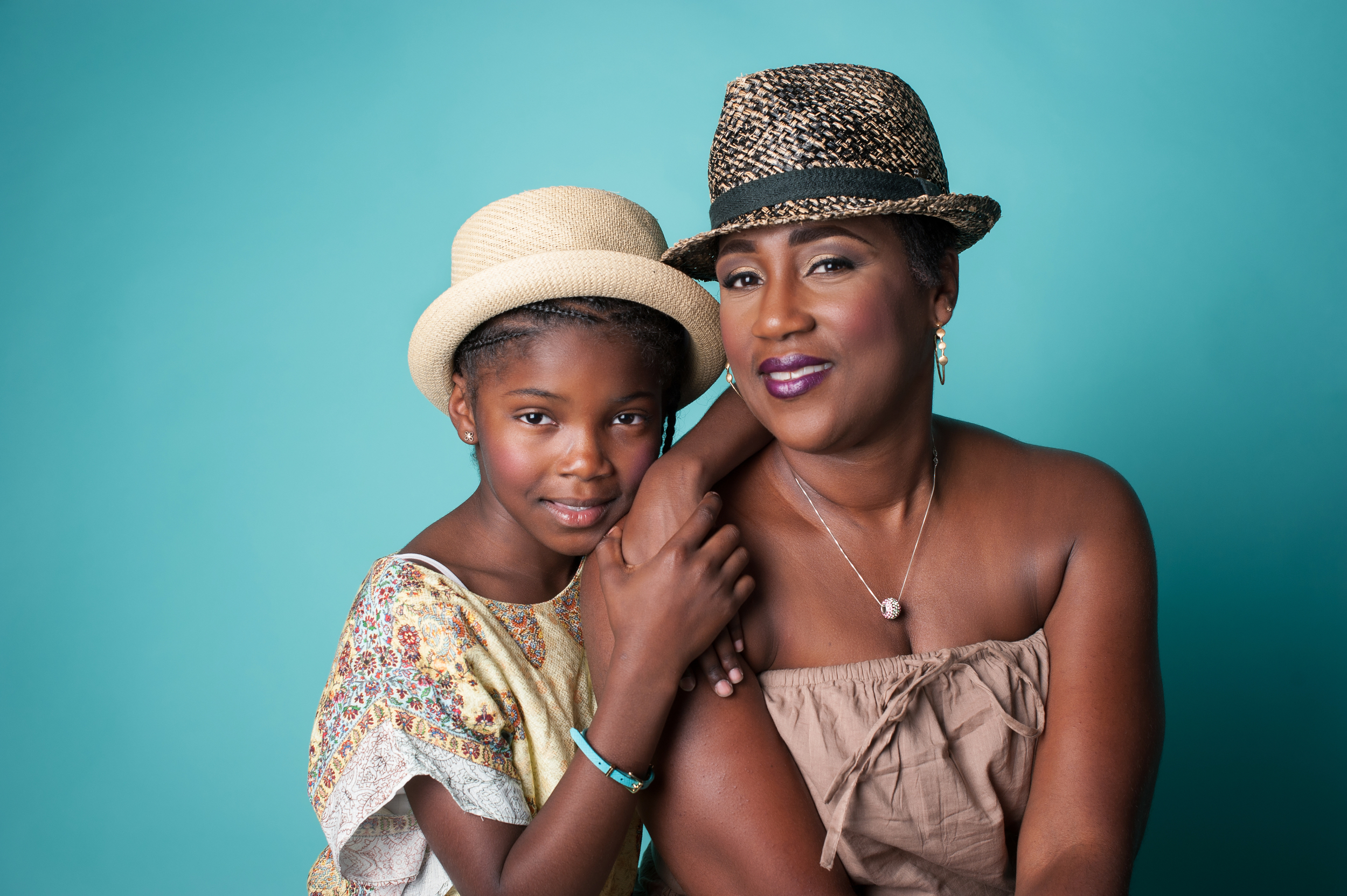 Mother and Daughter Beauty Glamour Photo | Nomee Photography | Chicago Family Photographer in the studio