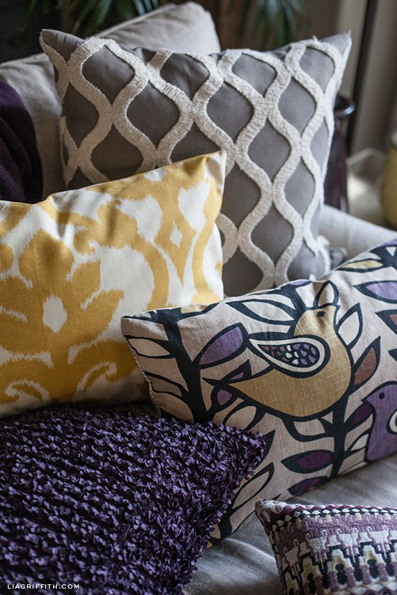 Bold patterns at the same scale that mix well together via liagriffith.com