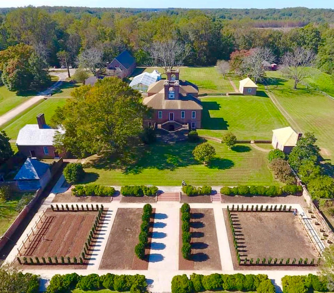 Stratford Hall in Virginia topiary Project