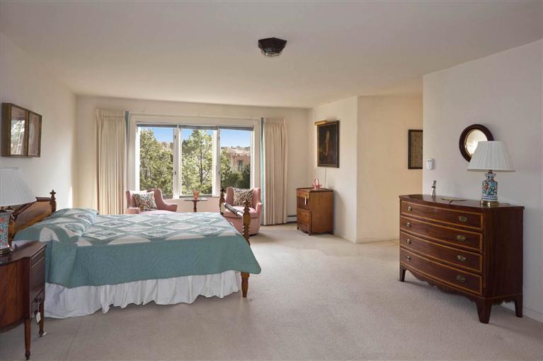Bedroom 2 b4.jpg
