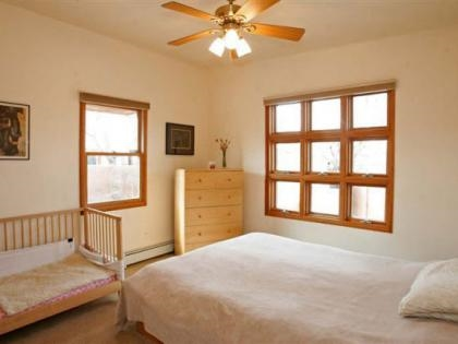 Bedroom b4.jpg