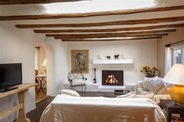 Living Room 2 B4.jpg